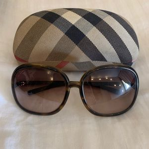 Authentic Burberry sunglasses 4002